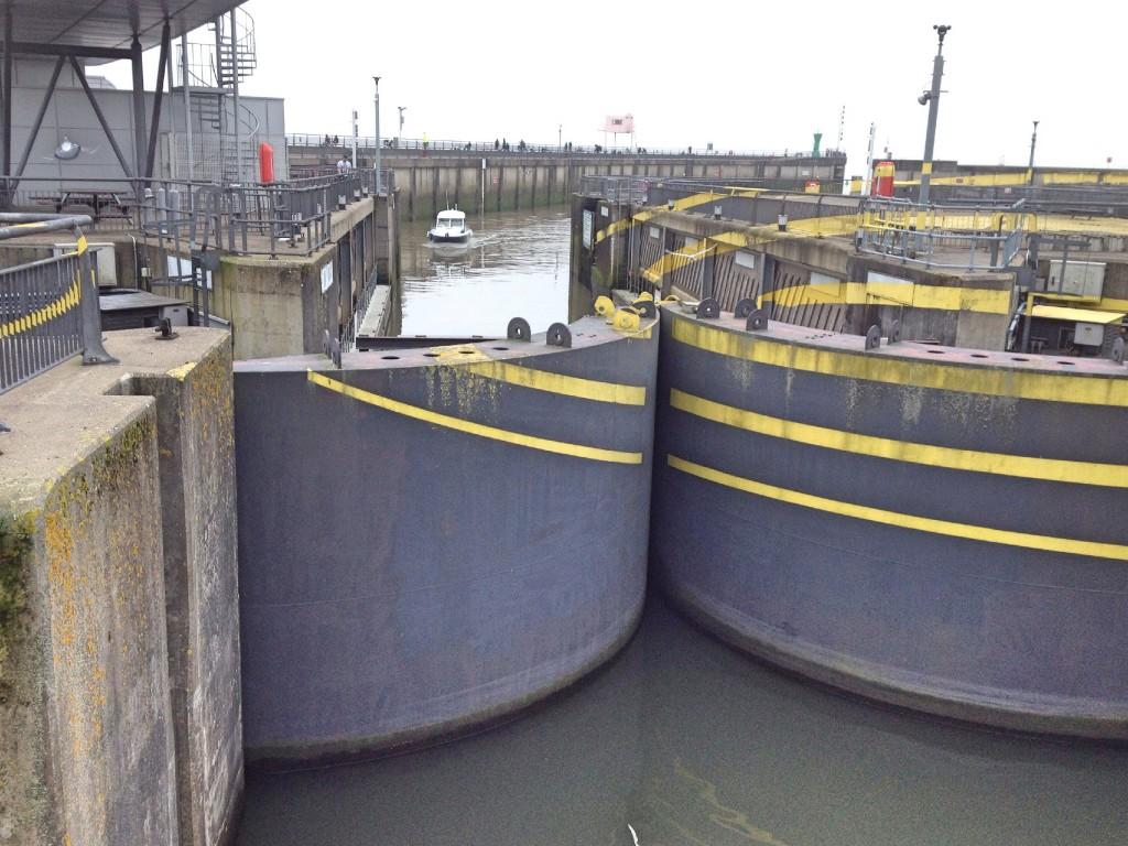 Cardiff barrage locks