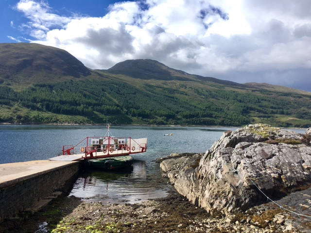 What's the best way to reach the Isle of Skye?