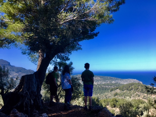 The walk up to Mirador de ses Barques