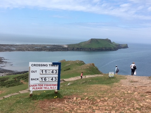 Tide time warning for the crossing to Worm's Head