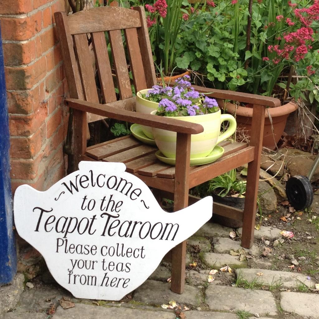 Teapot cafe flowerpots