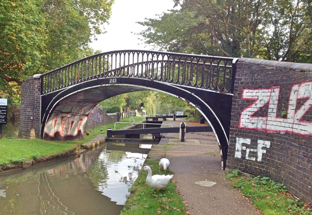 Bridge 243, Oxford Canal