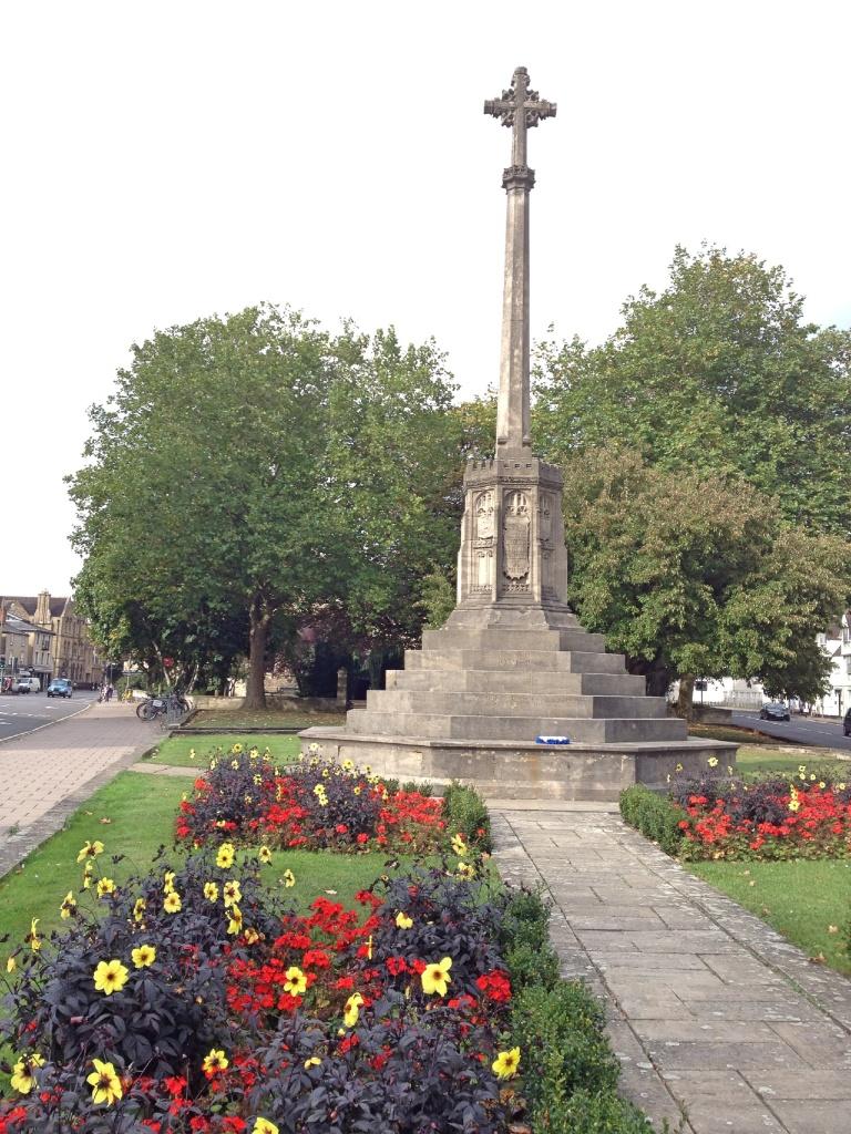 St Giles war memorial. Oxford