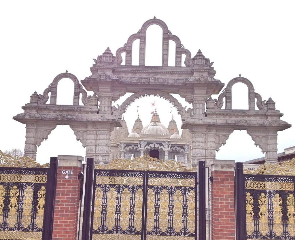 Entrance to BAPS Shri Swaminarayan Mandir (Neasden Temple)