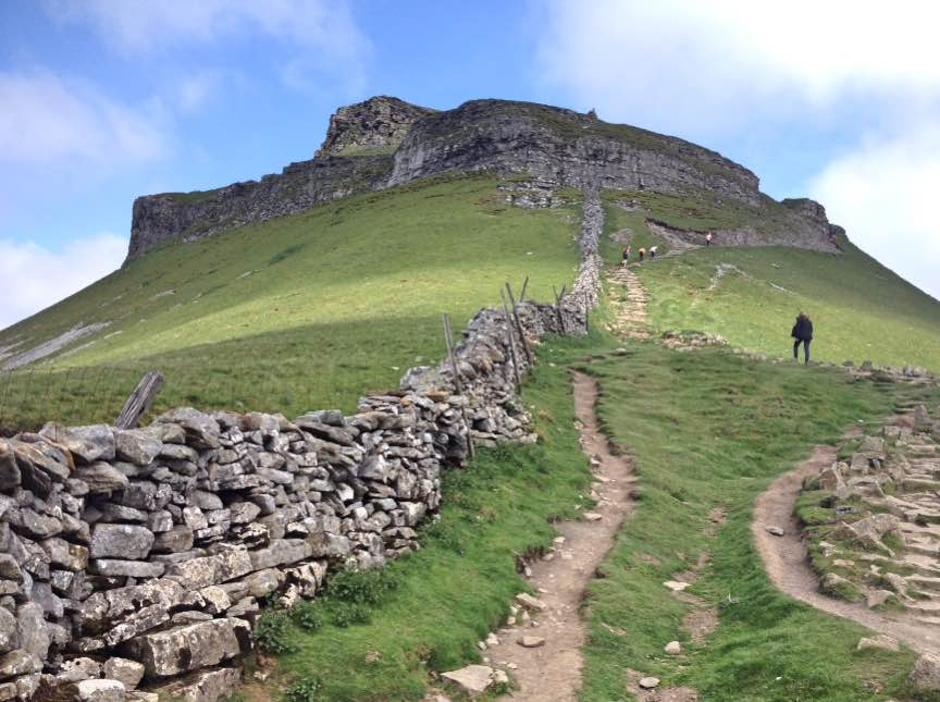 Pen-y-ghent summit path