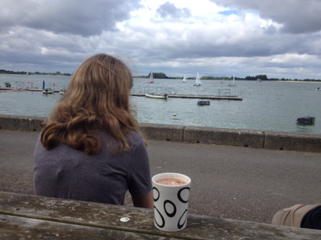 Hot chocolate at Farmoor reservoir