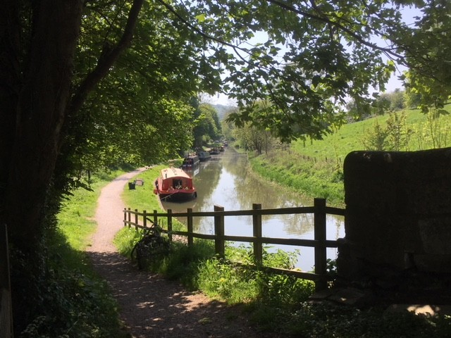 Walking the Kennet and Avon canal path from Bath to Bradford-on-Avon