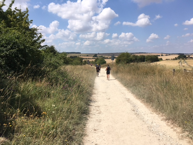 Afternoon on the Ridgeway - day one, Race to the Stones
