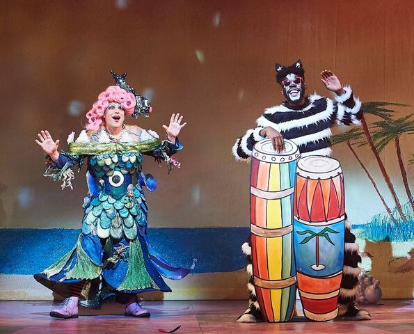Cat and Sarah the cook, Dick Whittington. Photo courtesy of Oxford Playhouse.
