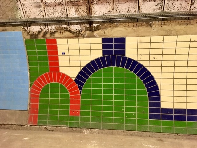 Tiling designs, Aldwych station