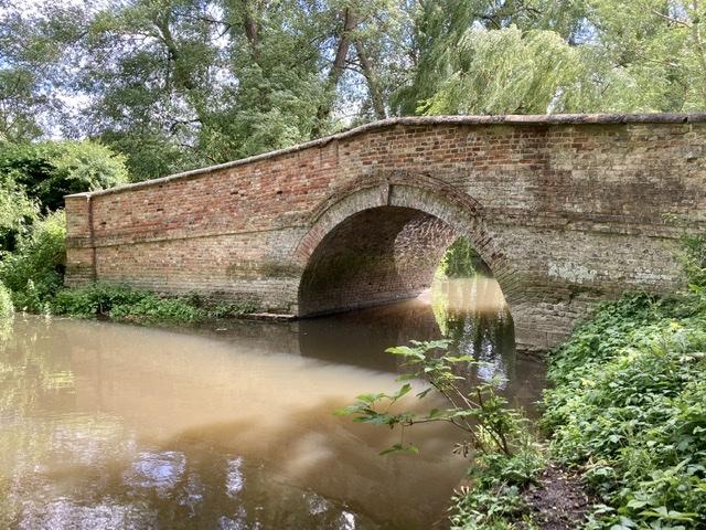 Bow bridge, Waterstock