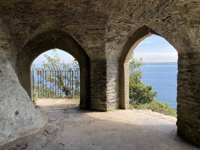 Queen Adelaide's grotto, Rame peninsula